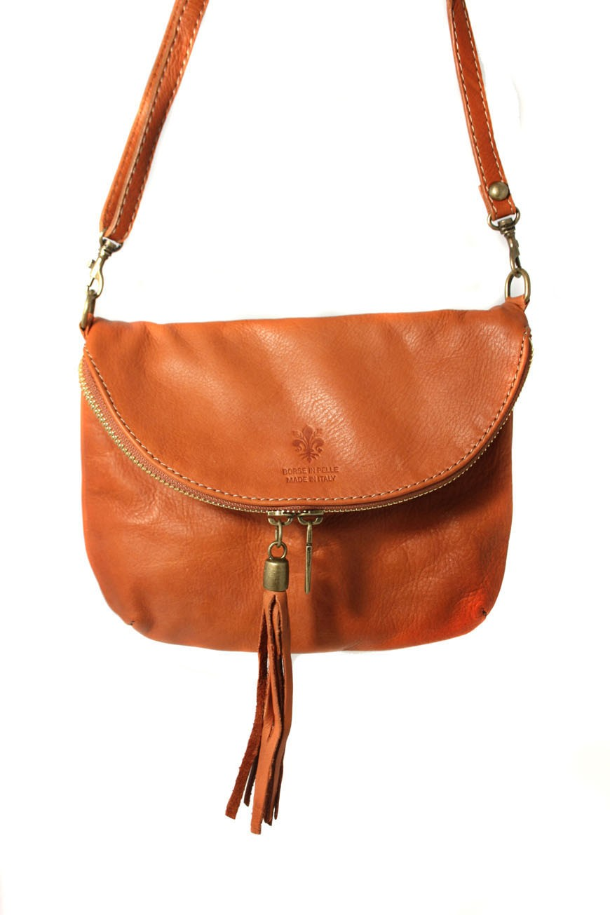 Saddleback Leather Co. sells high quality, full grain, rugged leather bags, briefcases, luggage and more. We love people and aspire to love everyone around the world through kindness, compassion and exceptionally made leather bags.